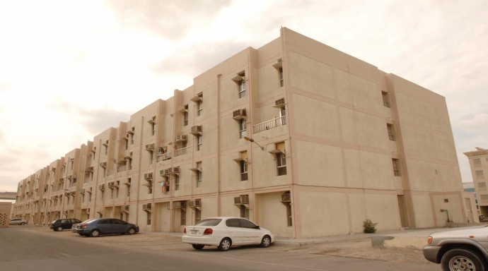 qusais shaikh colony - 1 bedroom flat