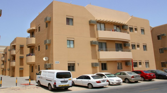 R323 muhaisnah - 2 bedroom flat