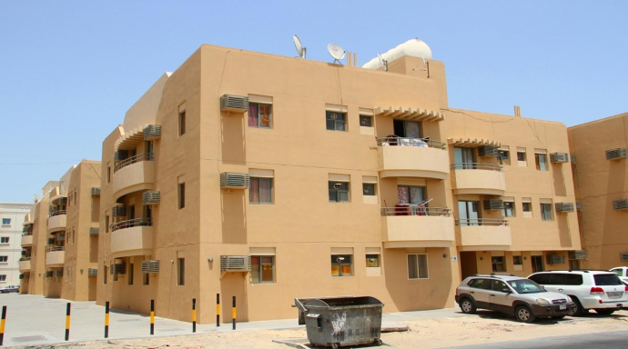 R325 muhaisnah - 1 bedroom flat