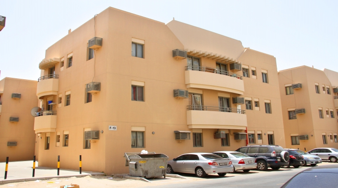 R330 muhaisnah - 2 bedroom flat
