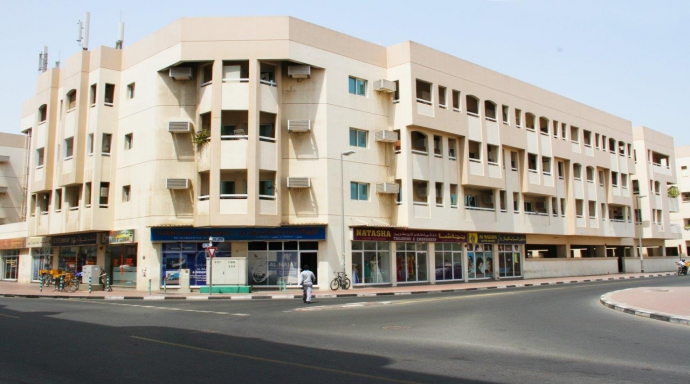 R367 - al karama block (c) - shop