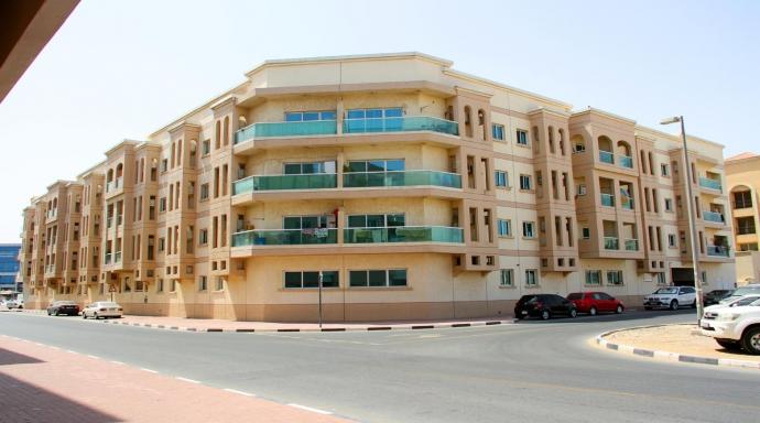 R429 muhaisnah - 1 bedroom large flat