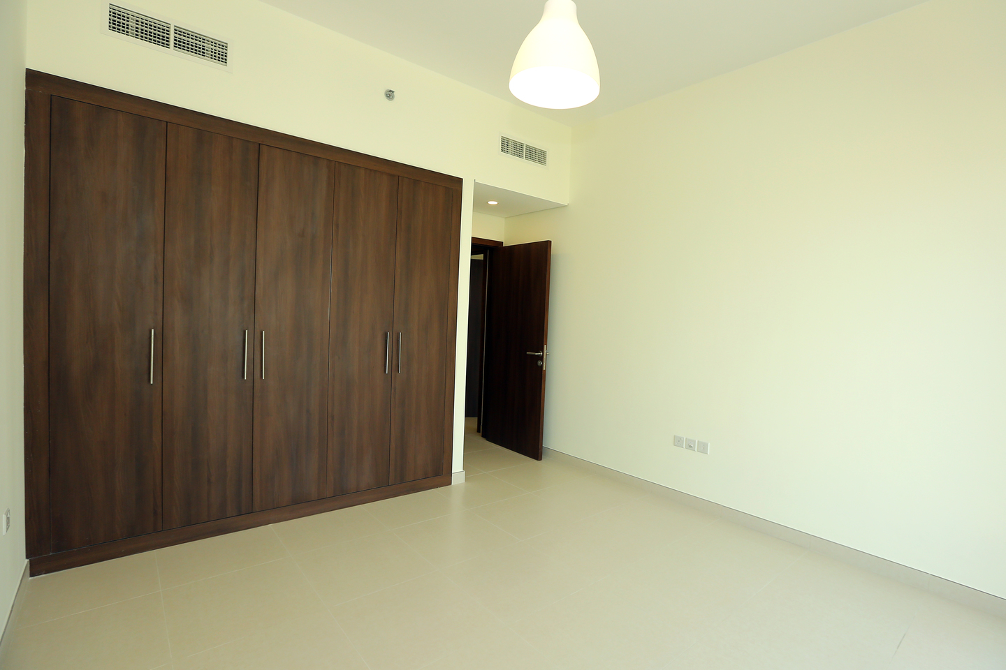 wasl nad tower bedroom closet